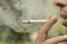 【即実行】ほんの数秒で「タバコの臭いを消す裏ワザ」が効果抜群!!!