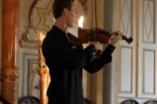 【神対応】クラシックの演奏中に客席から携帯電話の着信音が・・・そのときとっさに行った演奏者の対応が凄すぎる!!!